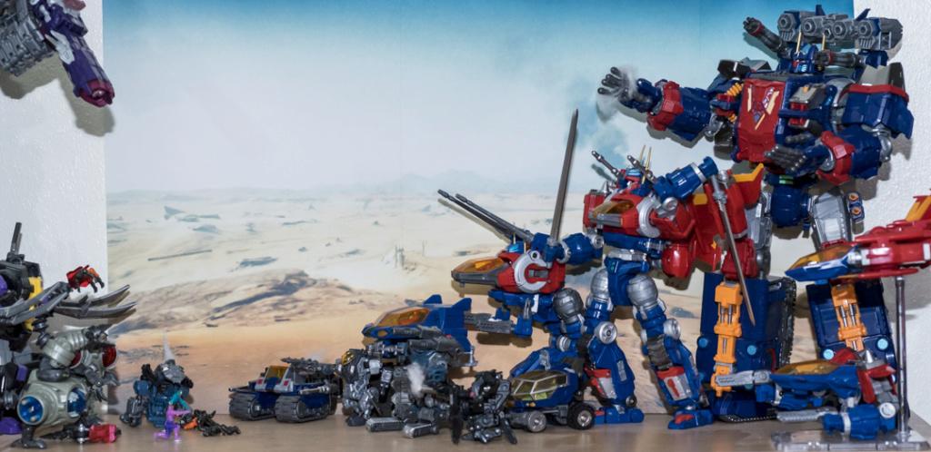 Guerres Transformers! Montrez-moi vos batailles et guerres épiques en photo ici. - Page 8 Dsc00123