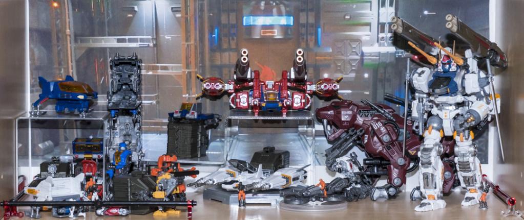 Guerres Transformers! Montrez-moi vos batailles et guerres épiques en photo ici. - Page 8 Dsc00124