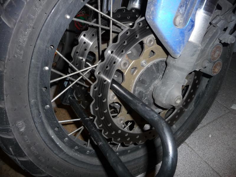 Antivol U attention à votre durite de frein!!!!! P1120014