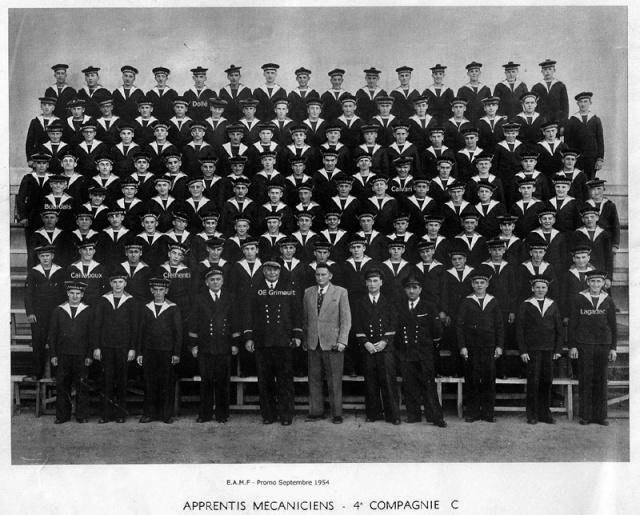 ÉCOLE DES APPRENTIS MÉCANICIENS DE LA FLOTTE - TOME 1 - Page 2 _1954_10