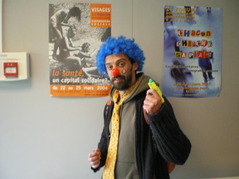 3 avril 2008 des clowns dans les rues d'Angers Imgp0247