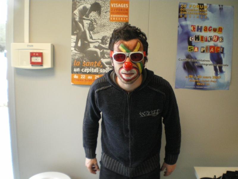 3 avril 2008 des clowns dans les rues d'Angers Imgp0248