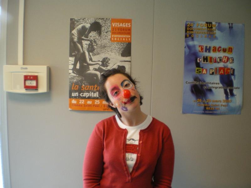 3 avril 2008 des clowns dans les rues d'Angers Imgp0249