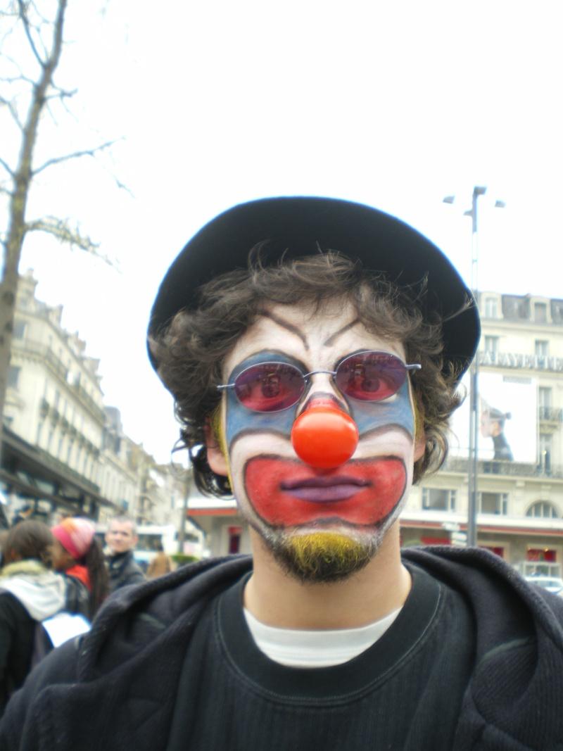 3 avril 2008 des clowns dans les rues d'Angers Imgp0255