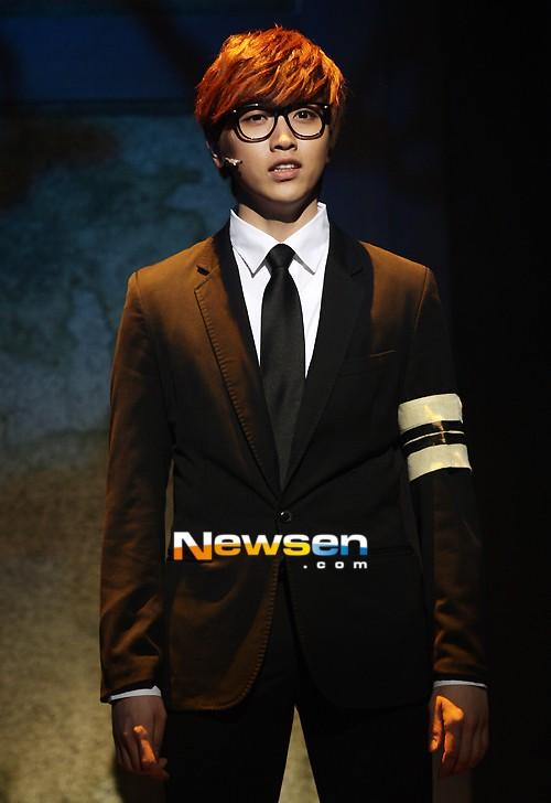 [120625] Le B1A4 Sandeul fait un début dans la comédie musicale retentissant malgré une infection de l'oeil 20120610