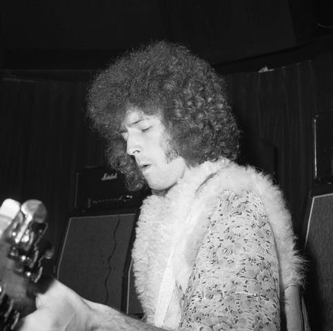 Les 1000 visages d'Eric Clapton - Page 2 42-16910