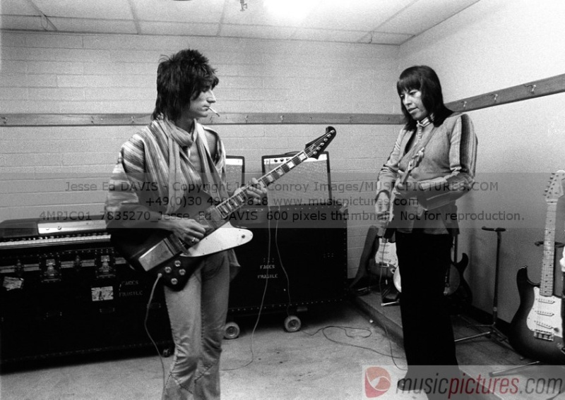LA Friday (Live 1975) [Stones archive] - Page 2 4mpjc010