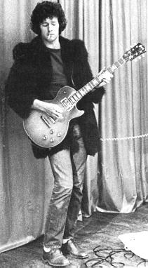 Les 1000 visages d'Eric Clapton - Page 2 Clapto12