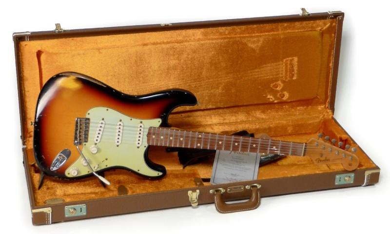 Achat d'une Strat - Page 2 Fender10