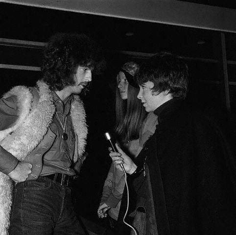 Les 1000 visages d'Eric Clapton - Page 3 Hu003010