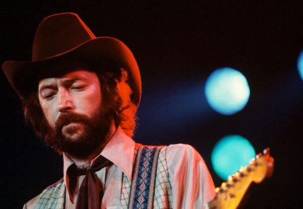 Les 1000 visages d'Eric Clapton - Page 3 Pn004011