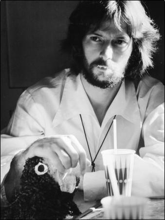 Les 1000 visages d'Eric Clapton - Page 2 Ralph-10