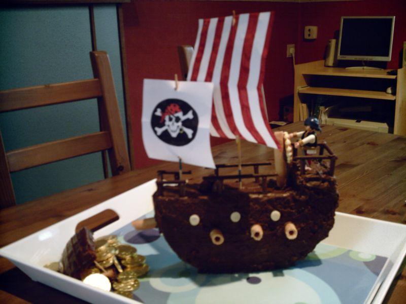 Le bateau pirate - Page 2 Copie210