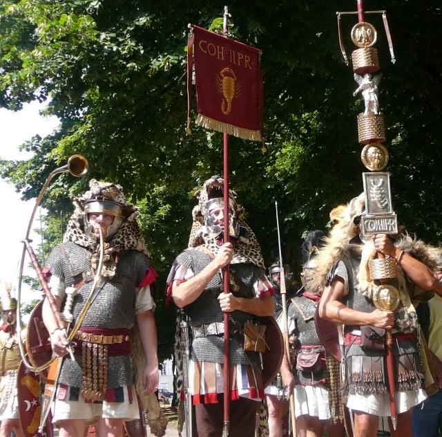 Artisans d'histoire à Autun - Juillet 2011 P1210010
