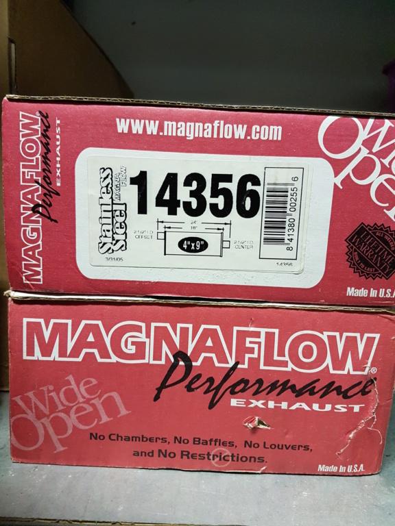( VENDU ) 2 x Magnaflow 14356 Stainless poli 2.5 pouces 20181215