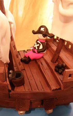 Le bateau pirate - Page 2 Guill_10