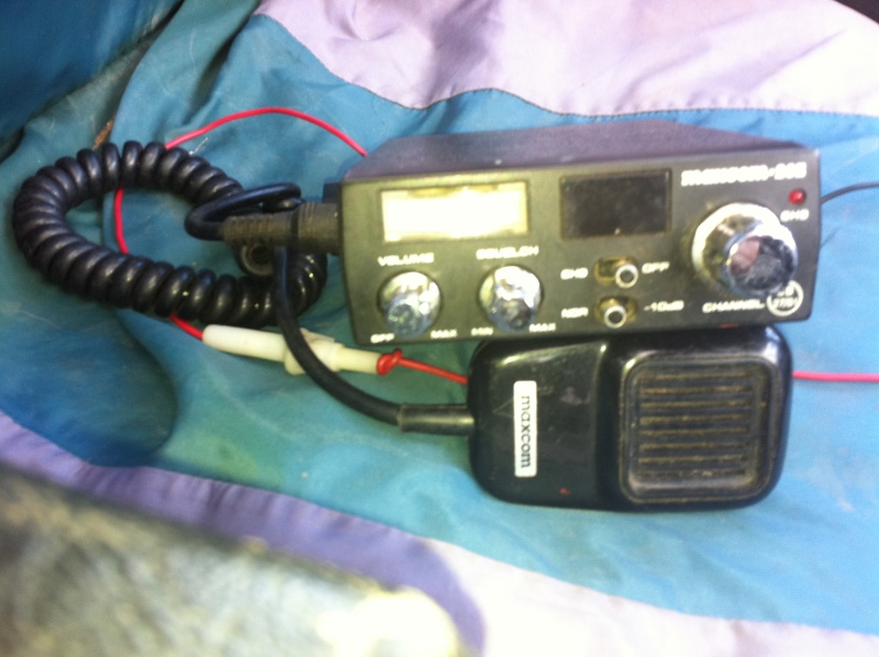 2cb radios and magmount antena 05010