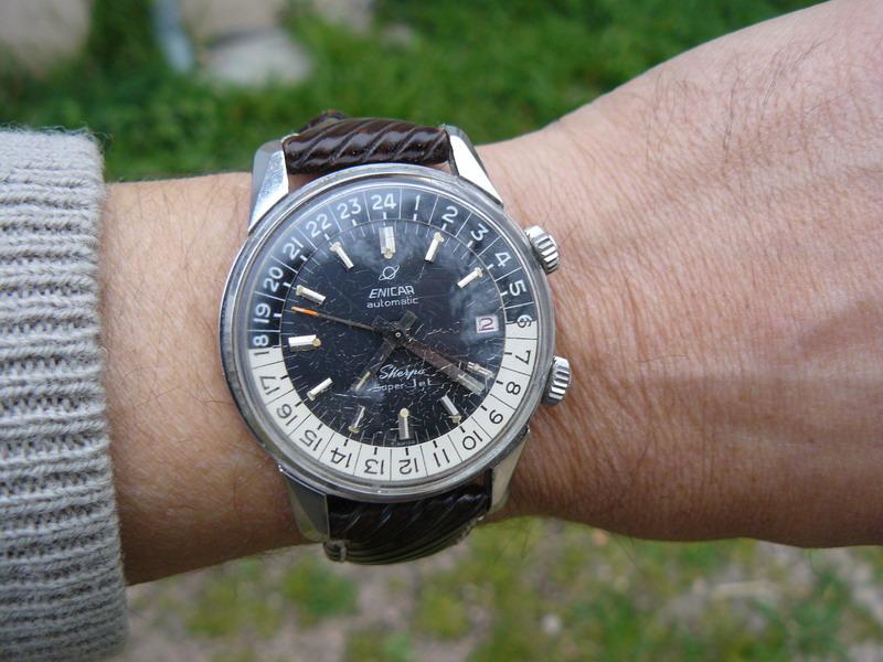 Feu de montres sur bracelets RIVA. P1040412