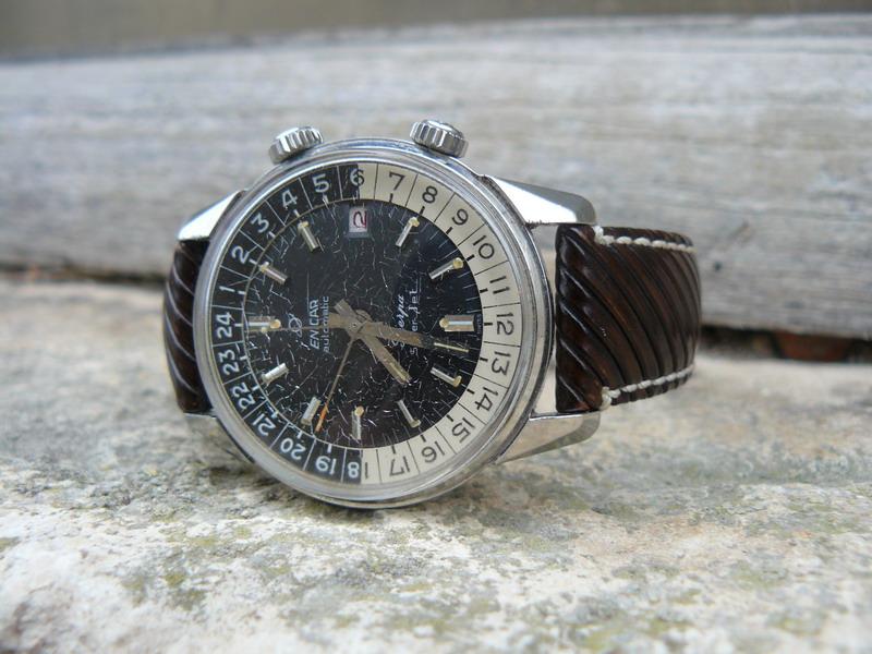 Feu de montres sur bracelets RIVA. P1040519