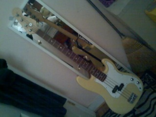 Fender Precision Bass for Sale  7820_112