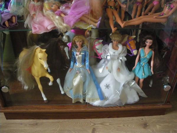 Ma collection de poupées Barbies - Page 2 Imgp0787