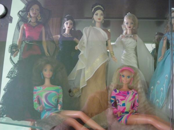 Ma collection de poupées Barbies - Page 2 Imgp0788
