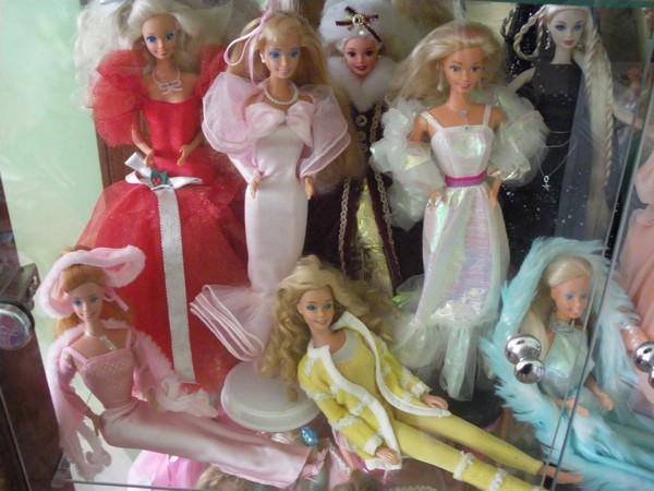 Ma collection de poupées Barbies - Page 2 Imgp0792