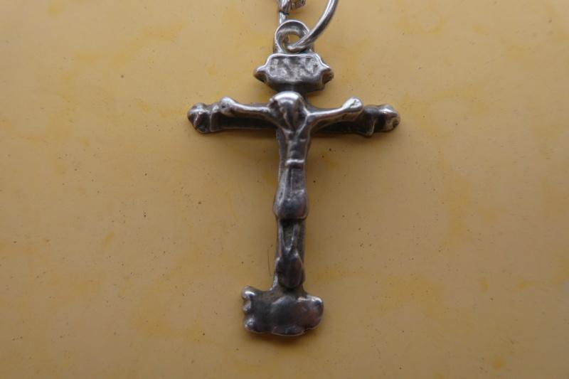 Crucifijo de plata P1000235