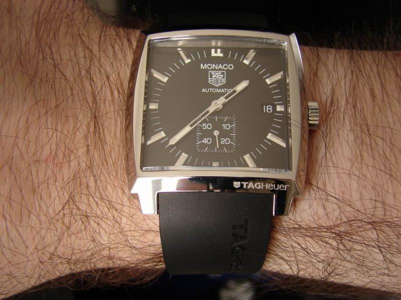 La montre qui va pour toutes les occasions... Dsc08012