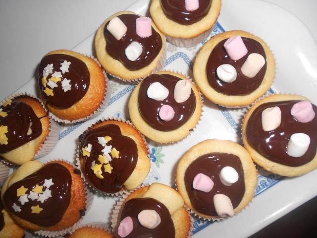 Cupcakes : recettes et décors simples - Page 4 Dscn0111