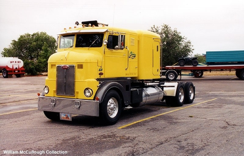 peterbilt bubble nose 1950 custom. 117