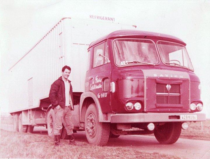 Des photos de camions bétaillères à moutons et d'autres photos de camions aussi conduit par Henry Elie . 29849_25