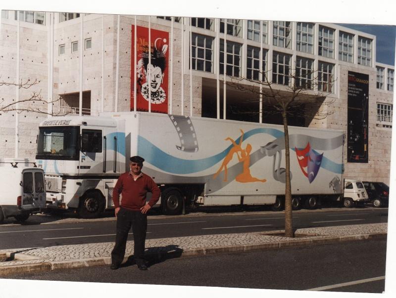 Des photos de camions bétaillères à moutons et d'autres photos de camions aussi conduit par Henry Elie . Camion35