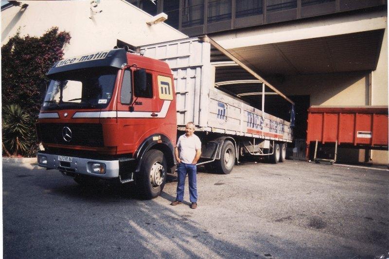 Des photos de camions bétaillères à moutons et d'autres photos de camions aussi conduit par Henry Elie . Img05024
