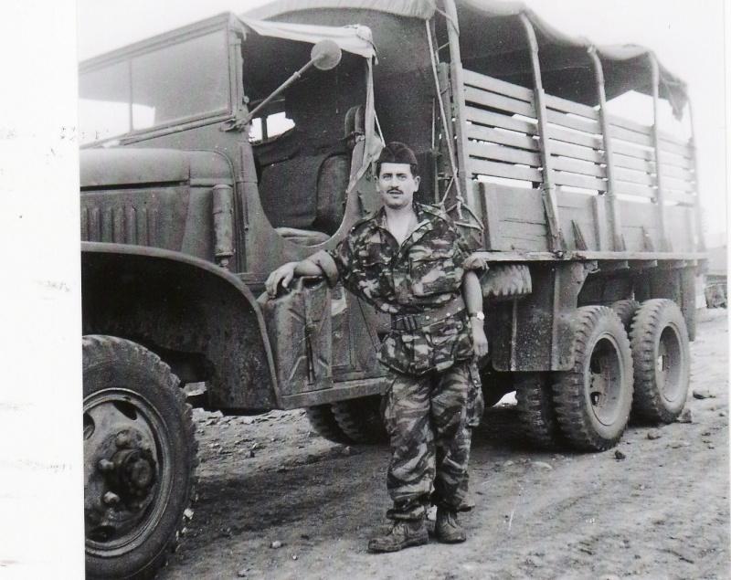 Des photos de camions bétaillères à moutons et d'autres photos de camions aussi conduit par Henry Elie . Img_0473