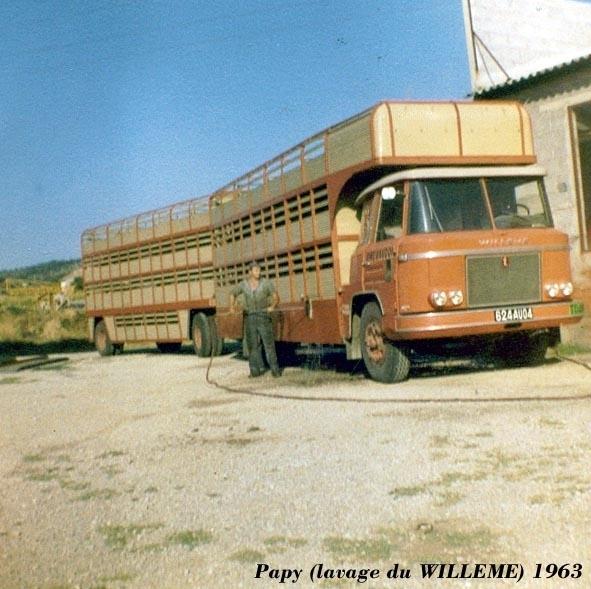 Des photos de camions bétaillères à moutons et d'autres photos de camions aussi conduit par Henry Elie . Willem17