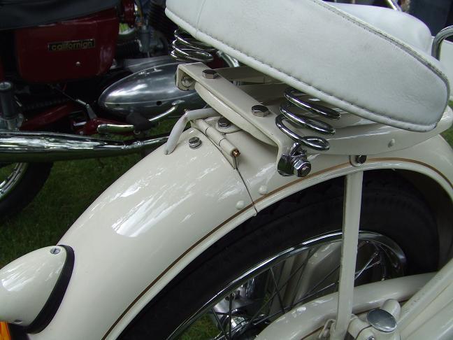Photos des motos vues ou rencontrées sur la route ! Caux2061