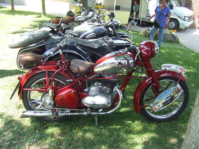 Photos des motos vues ou rencontrées sur la route ! Dscf5231