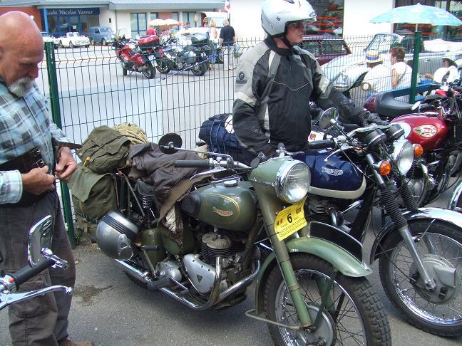 Photos des motos vues ou rencontrées sur la route ! Dscf5237