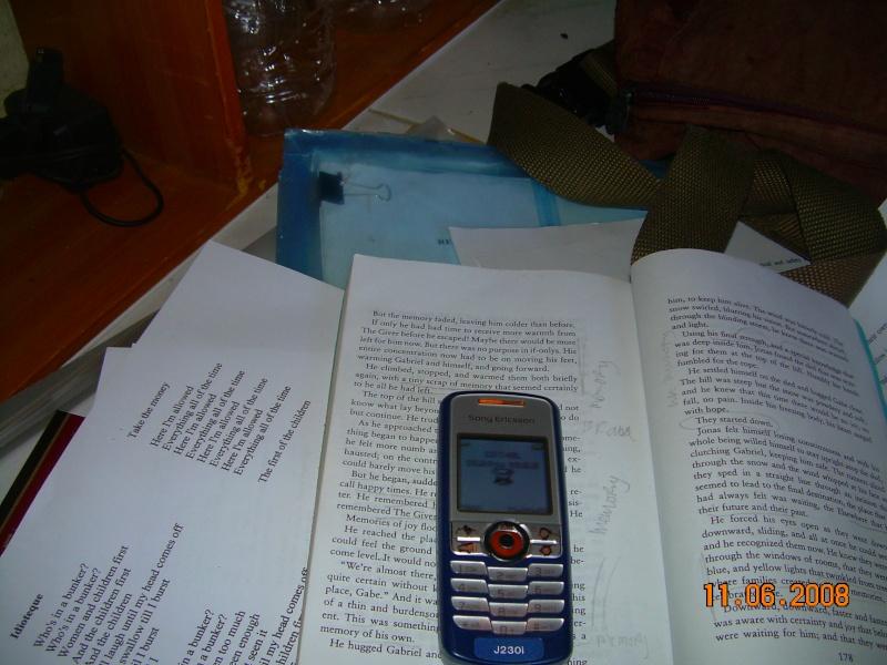 Hand Phone Mutakhir abad ini - Page 3 Dscn4310