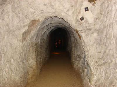 Hell Fire Caves Hellfi10