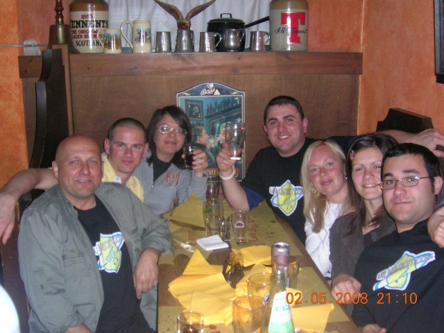 02.05.2008 Primo mini raduno U2MARKET al Land Lord Pub in quel di Sarzana....... - Pagina 2 Immagi17