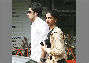 Ranbir & Deepika, de l'orage dans l'air 05-01r10