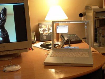 Apple's computers screen(laptop) Apple_11