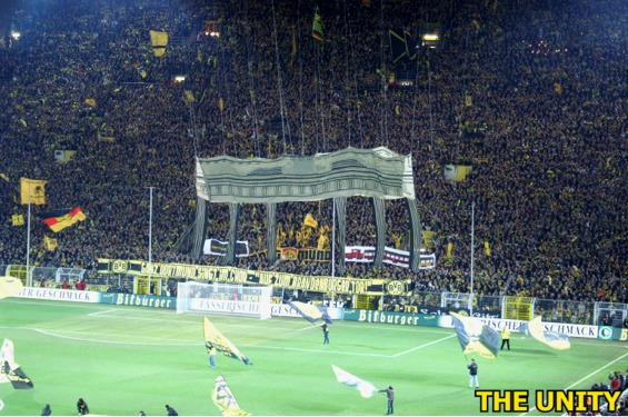 Tifos - Zone UEFA Pict0018