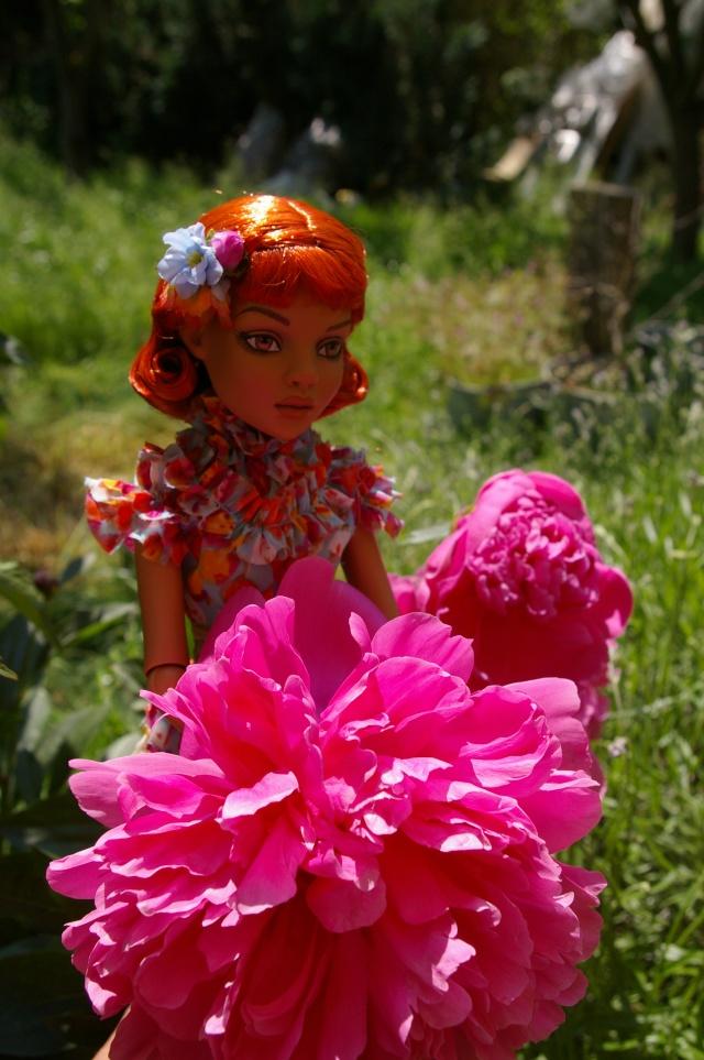 Lisette et ses copinettes découvrent  les fleurs de gigi Imgp2419