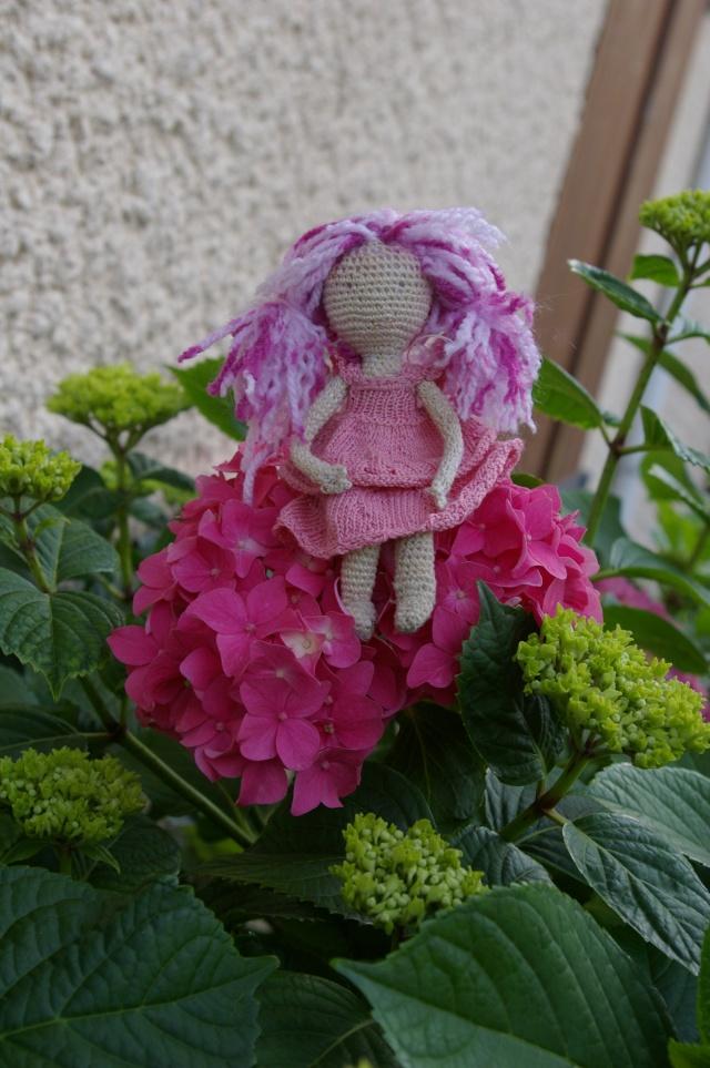 Lisette et ses copinettes découvrent  les fleurs de gigi Imgp2519