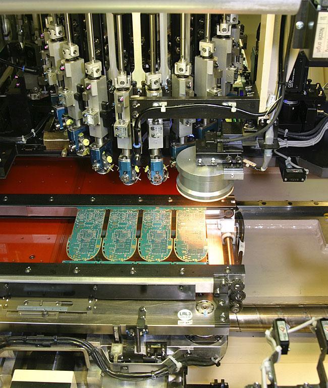 مصنع نوكيا من الداخل I10