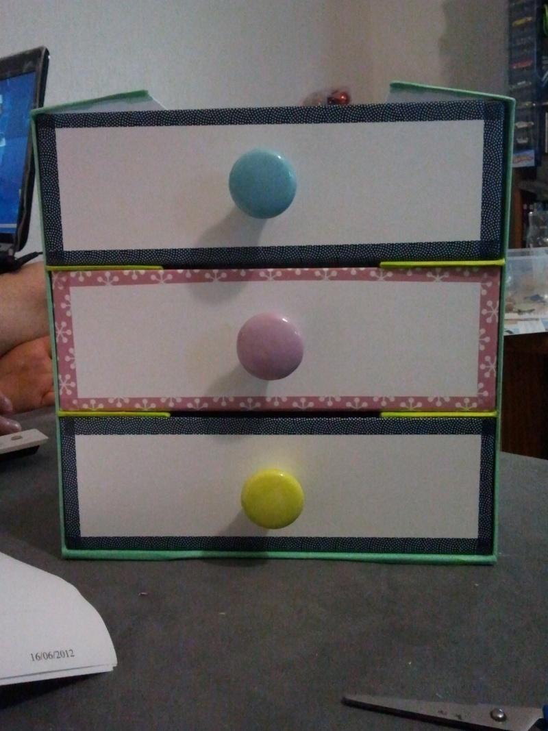 Vous faites quoi des boites de vos boxs ? - Page 4 2012-020