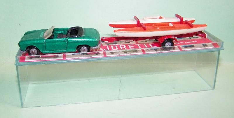 N°331 Peugeot 204 + Canoes 331_pe10